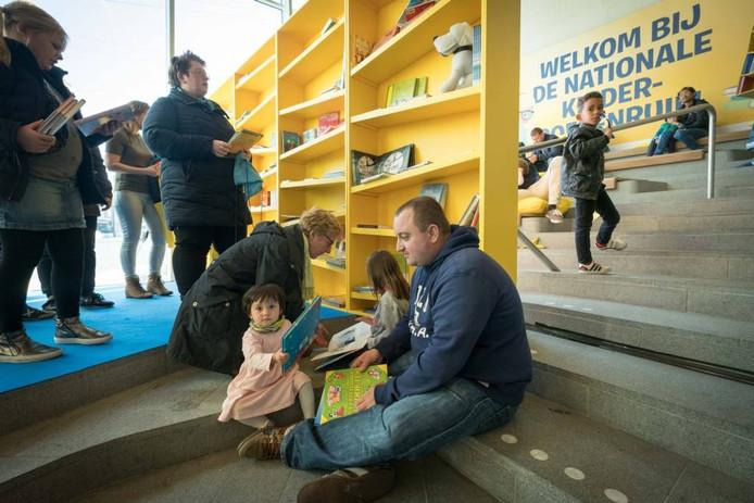 Boeken ruilen op Arnhem Centraal.
