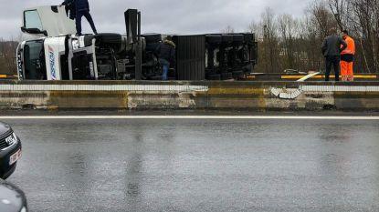Brusselse binnenring versperd door ongeval met vrachtwagen