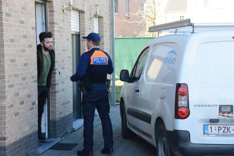 De inwoners  van de Destelwijk kregen zondag bezoek van de politie voor het geven van preventieadvies tegen inbraken.