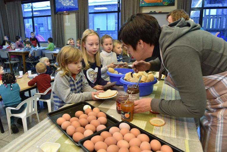 De leerlingen mochten 's ochtends genieten van een lekker ontbijt.