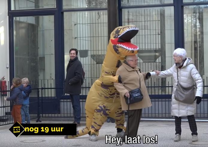 StukTV valt ouderen lastig in de dierentuin.