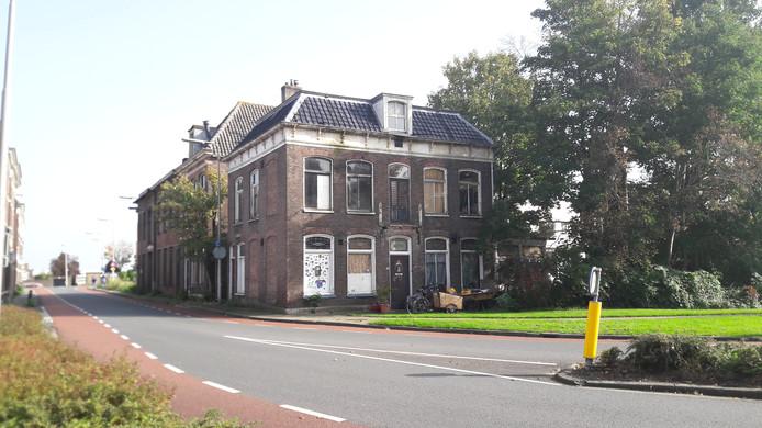De vervallen villa aan de Bovenhavenstraat in Kampen