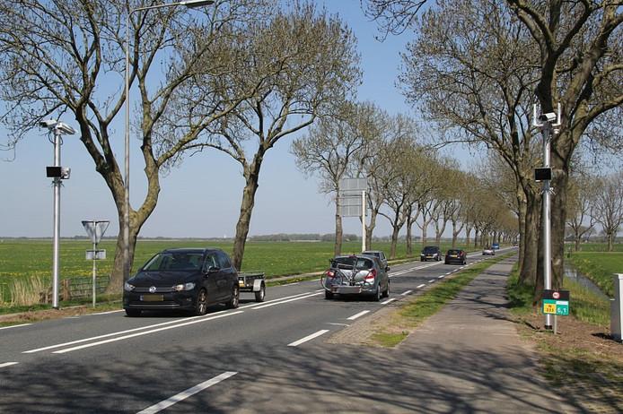Trajectcontrole op N333 tussen Muggenbeet en Blokzijl.