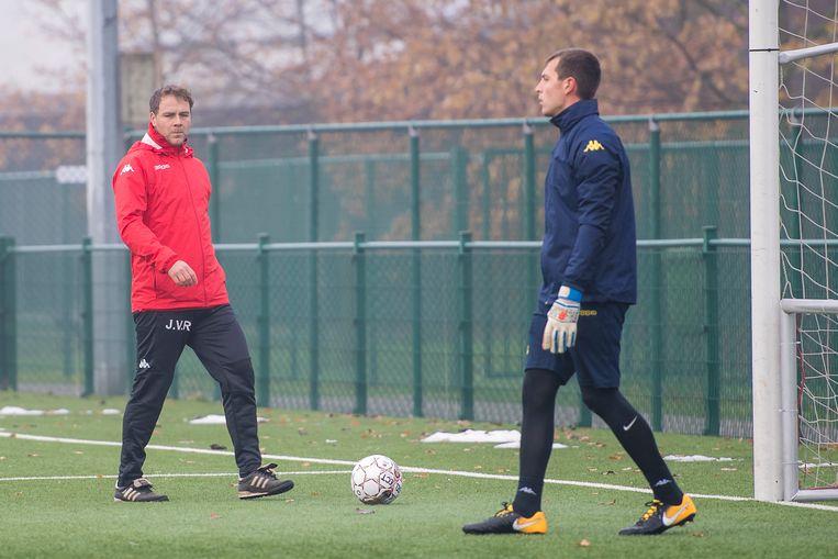 Van Rumst leidde vandaag al een training.