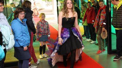 Leerlingen Heilig Graf brengen modeshow met gerecycleerde kledij