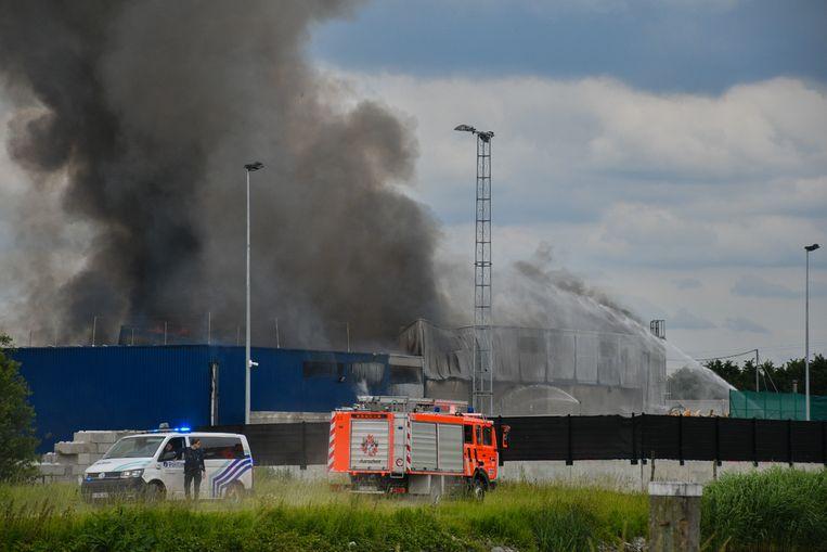 De rookpluim was ver buiten Kampenhout te zien.
