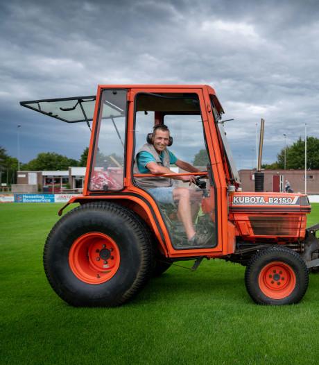 Perfecte grasmat maakt RKSV Driel gewilde oefenlocatie voor profs van Vitesse