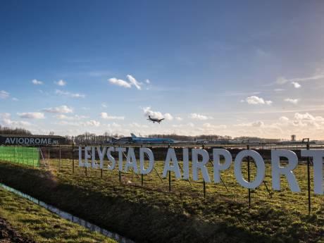 'Besluit over Lelystad Airport een jaar uitgesteld'