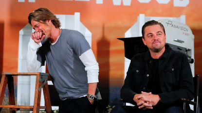 """Grappig: Brad Pitt legt Leonardo DiCaprio het vuur aan de schenen: """"Kon je echt niet mee op die deur in 'Titanic'?"""""""
