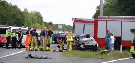 Gemist? Heftige crash op A1 bij Apeldoorn. En: hoe zit dat nu met Volkert van der Graaf??