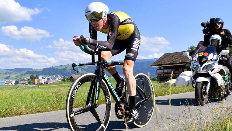 Steven Kruijswijk tijdens de tijdrit in de Ronde van Zwitserland. Beeld null