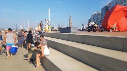Meisje (3) levensgevaarlijk gewond nadat ze met gocart van hoge trappen rijdt in Oostende
