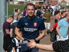 Fakkels en gezang bij 'laatste training' FC Twente