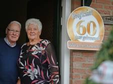 Lossers echtpaar viert 60-jarig huwelijk. 'Hij keek me aan en zei: Op disse wocht ik'