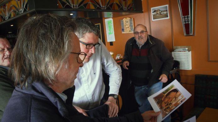 Martin Heylen ging langs in café De Zwarte Leeuw, op zoek naar Roger.
