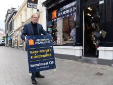 Boetes voor borden op straat in Tilburgse binnenstad: 'In deze tijd te bizar voor woorden'