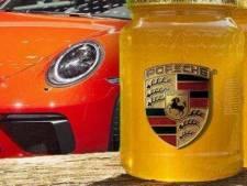 Porsche huisvest drie miljoen 'werknemers' in strooien woningen