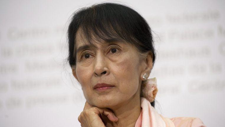 Aung San Suu Kyi vandaag tijdens een persconferentie in Bern. Beeld epa