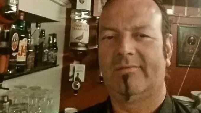 """""""Hij stond áltijd in voor onze veiligheid"""": motorrijder sterft op weg naar begrafenis bevriende motard"""