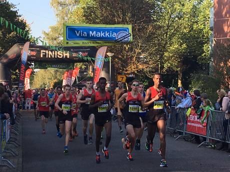 Deelnemers Molenhoeks Makkie lopen meer dan 1.000 euro bij elkaar