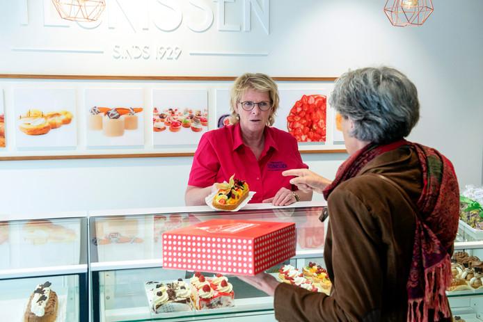 Karin Teunissen moet sommige klanten wel erg veel taarten verkopen.