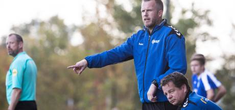 De Jong ook komend seizoen coach AZSV