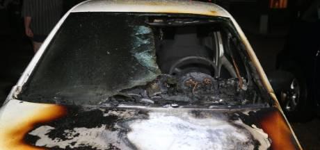 Reeks branden in Zuilichem: auto en vuilcontainers in vlammen op