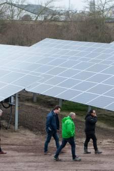Zutphens zonnepark wordt geopend onder grijze hemel