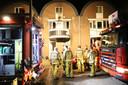 Brandweerlieden kregen het vuur snel onder controle, maar konden grote schade niet voorkomen. © GinoPress B.V.