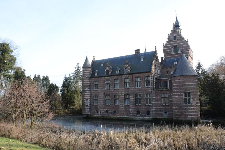 Het kasteeldomein mag binnenkort een nieuw zorgcentrum huisvesten.