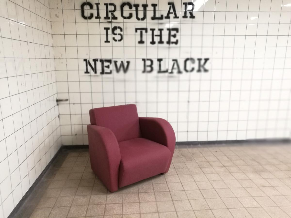 Een stoel gemaakt door het bedrijf Robert Milder, inwoner van Tolkamer.