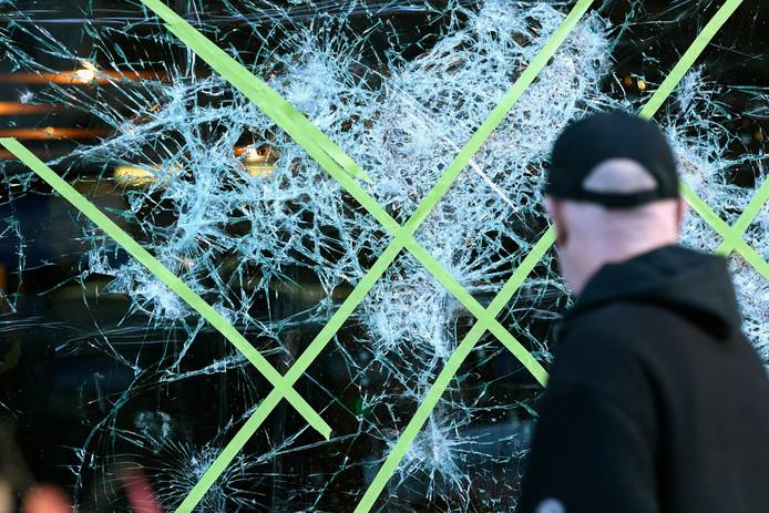 Schade na de rellen in het centrum van Brussel