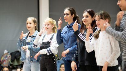 Leerlingen en leerkrachten brengen zelfgeschreven musical