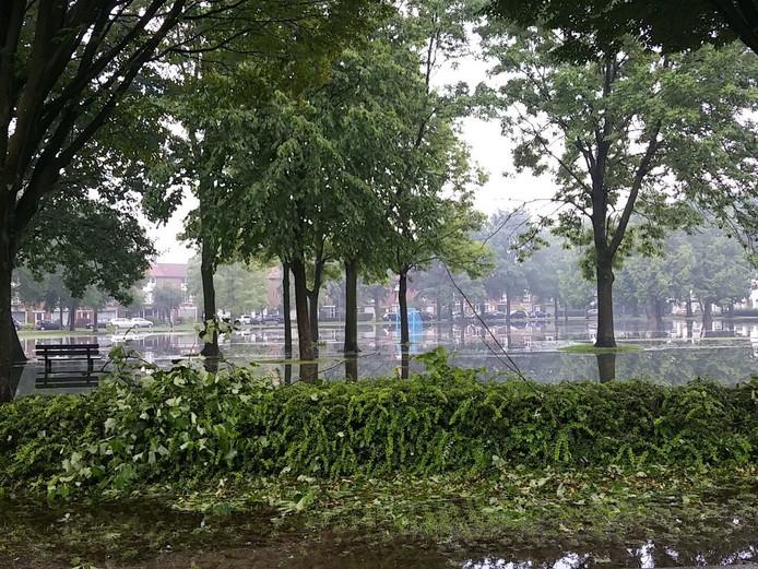 Wilhelminapark in Valkenswaard staat helemaal onder water.