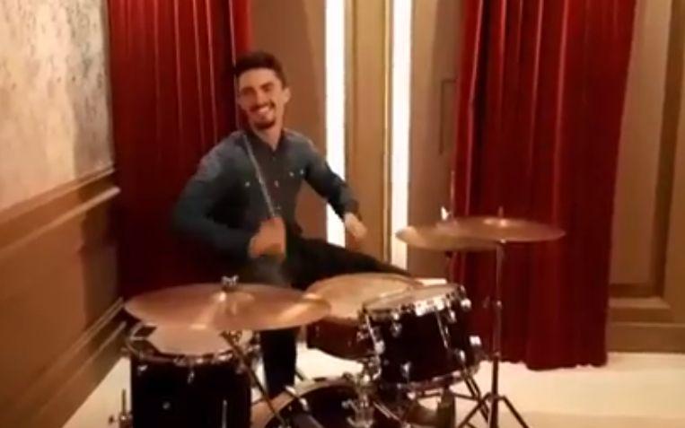 Alaphilippe leeft zich uit op een drumstel