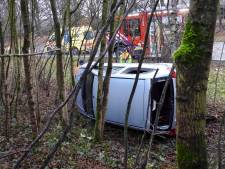 Auto van de weg geraakt op A2 bij oprit Leende