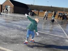 Schaatsen: Leuth flikt het weer