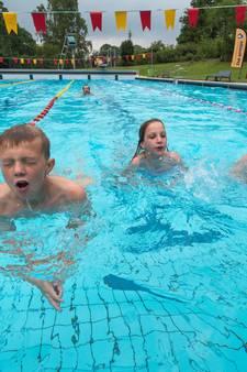 Zwemvierdaagse in Enschede ondanks regen een groot succes
