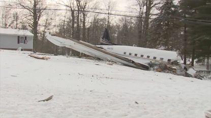 VIDEO. Vliegtuig crasht in tuin van huis: 2 doden