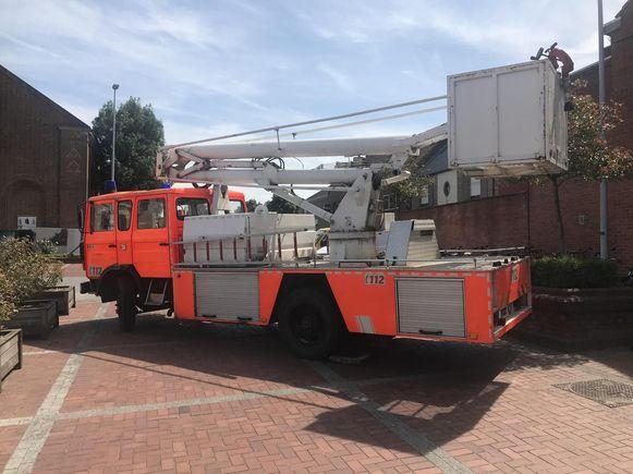 De Ledegemse brandweerelevator staat te koop.