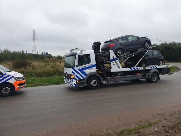 Beide wagens raakten beschadigd en werden getakeld.