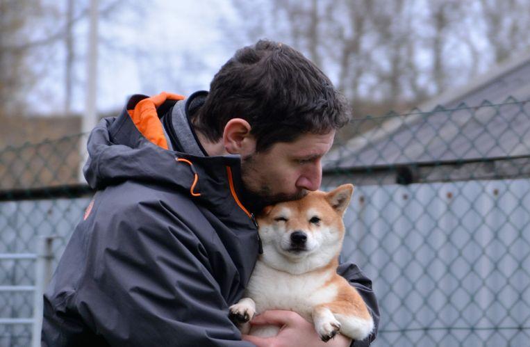 Sébastien raadt af om zomaar dieren via sociale media door te geven.