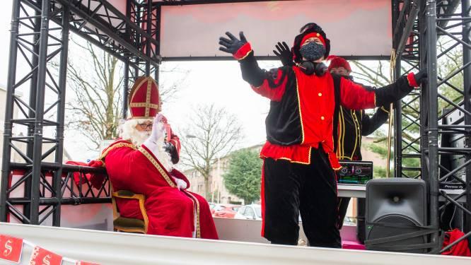 """Sinterklaas gearriveerd in Edegem: """"Hoop alle kindjes langs de weg te zien zwaaien"""""""