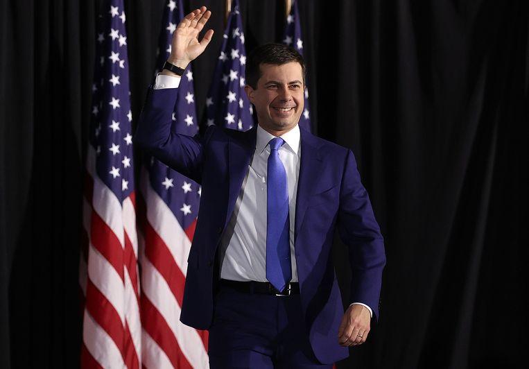 Democraat Pete Buttigieg laat in de voorverkiezing in Iowa niet alleen Bernie Sanders en Elizabeth Warren maar ook voormalig vicepresident Joe Biden achter zich.