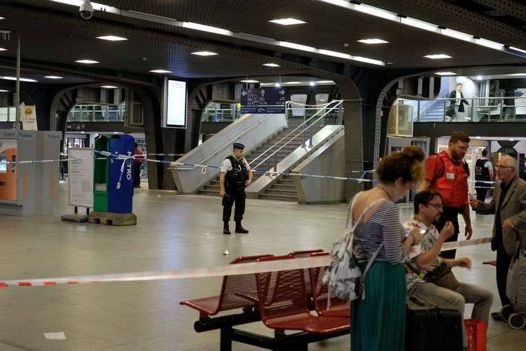 ontruiming Brussel Zuid: politie sluit een deel van het station af