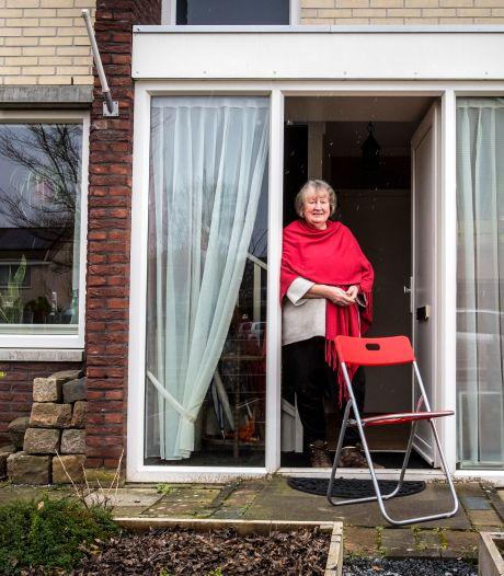 Leny Zomer uit Borne koestert het noaberschap in haar dorp: 'We kijken nog naar elkaar om'