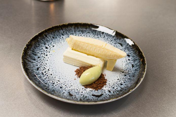 Restaurant The Londen maakt een dessert in de vorm van het Havenhuis.
