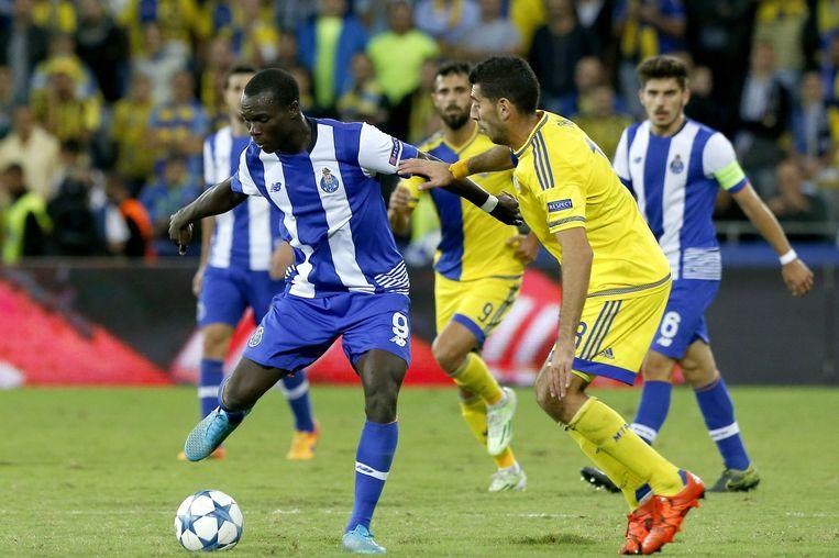 Porto-speler Aboubakar vecht om de bal. Beeld epa