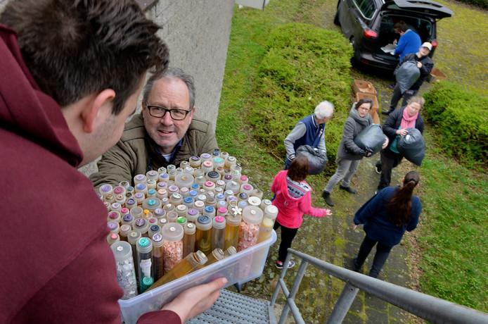 Geldermalsen Stichting Help Elkaar krijgt o.a. kleding.
