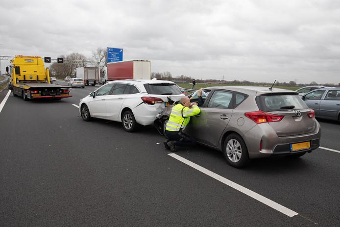 Twee van de vier auto's moesten worden weggesleept.
